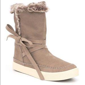 NWOT TOMS Vista Taupe Suede Faux Fur Boots